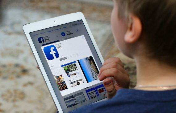 Facebook testing 'LOL' app to woo kids