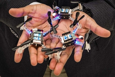 Scientists develop robotic swarm for medical use