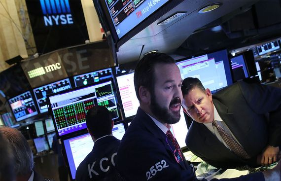 US stocks trade mixed amid corporate earnings, economic data