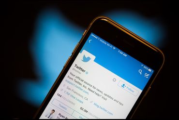 Twitter retains old messages even after deletion