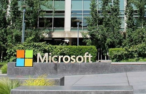 Microsoft, Amazon in race for $10bn Pentagon project