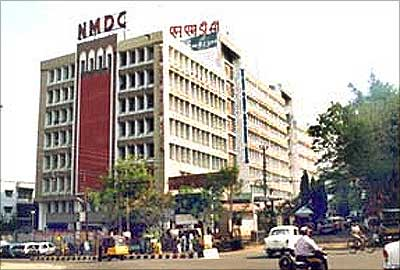 Govt Starts Process To Divest 10 percent In NMDC, May Fetch Rs. 5.5k-cr