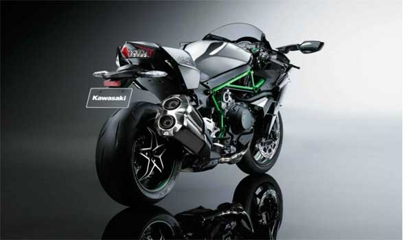 5 Latest 1000cc Superbikes Launched in India Recently