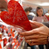 Men Spend More Than Women On Valentine's Day: Survey