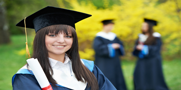 5 Scholarships for Women Aspiring To Study Abroad