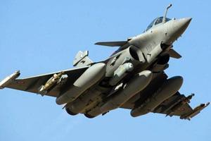India, France Ink Deal for 36 Rafale Fighter Jets