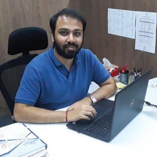 Abhishek Ganeshan,    MD