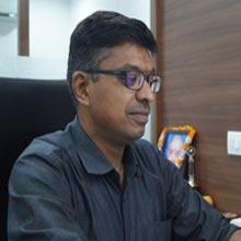 Ajay Kariwala, Shashank Chokhani & Vaidehi Chokhani,Directors