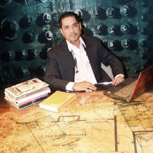 Chetan Narain, President & CEO,SanjeetNarain, Managing Director