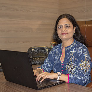 Meena Bansal,Proprietor