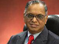 Wider Mobile Screens @ One Click can Take on Newspapers: Murthy