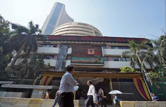 Global cues, foreign funds lift equities; banking stocks rise