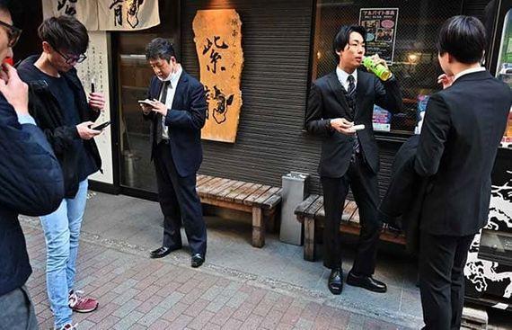 Workaholic Japan to go on unprecedented 10-day break
