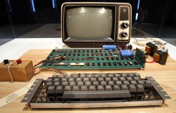 First Apple computer to be auctioned online