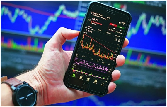 Why day trading using a mobile phone is becoming popular
