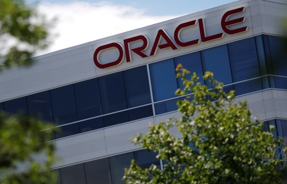 Oracle's Machine Learning-based Analytical Cloud Applications to Help Banks Prevent Financial Crimes