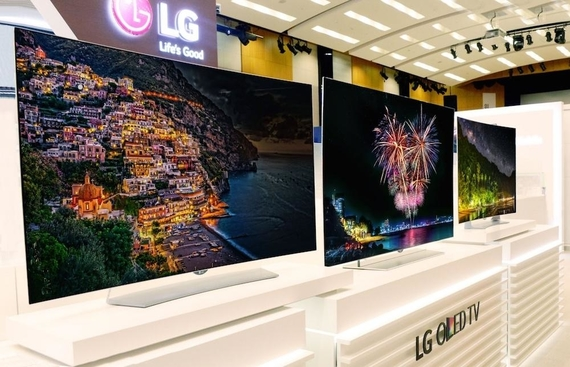 LG announces world's first roll-out OLED TV