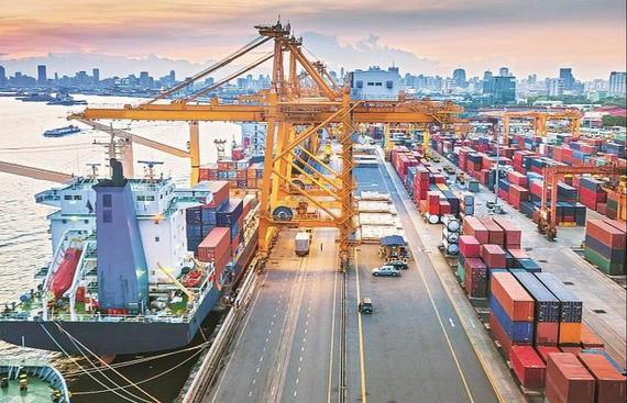 India posts record high YoY merchandise exports in March