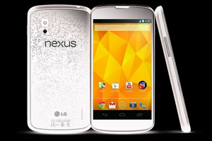 Google Nexus 4 White Gets Listed At Online Retailers