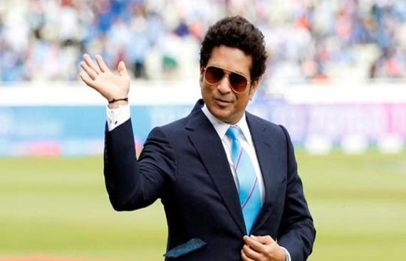 Smith, Kohli joy to watch, don't like to compare: Tendulkar