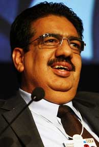 IT industry still living quarter-to-quarter: Vineet Nayar