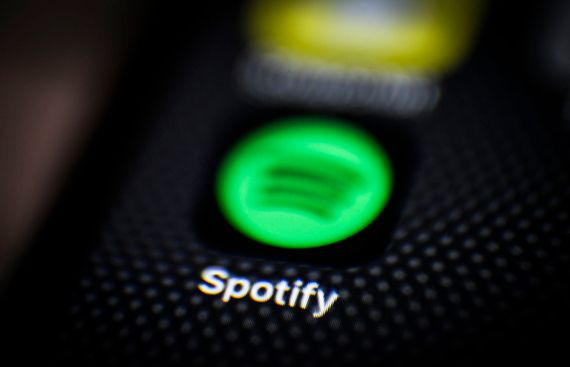 Tinder tests sharing Spotify clips with matches