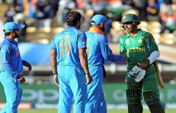 Fans Gear up for High-Octane Clash between India & Pakistan
