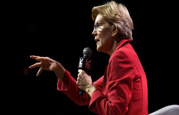 US Senator Elizabeth Warren calls for break up of Apple