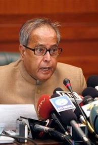 Pranab unveils income tax returns data centre