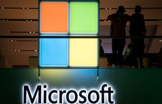 Microsoft Joins Samsung to Herald New Mobile Computing Era