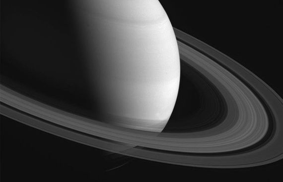 NASA's Cassini reveals new details on Saturn's rings