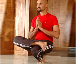 Top 5 Indian Yoga Gurus Siliconindia Page 3