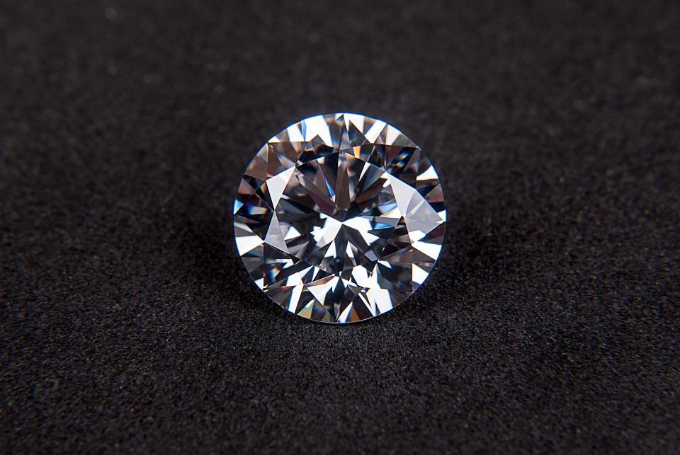 Diamonds shine for generations irrespective of the design!