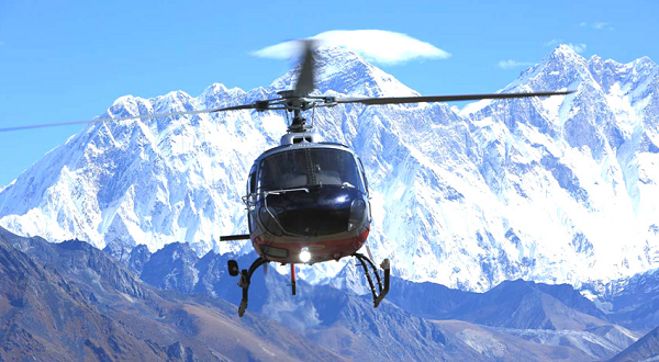 These amazing Helicopter tours in the Himalayas will make you speechless