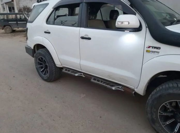 Toyota Fortuner modified white side profile