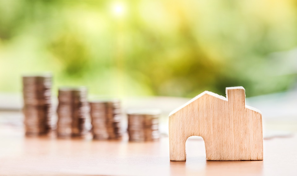 Know Why It Is a Better Option to Choose Floating Interest Rates on Home Loans