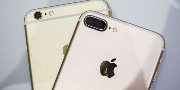 Strong iPhone 7 pre-orders from AT&T, Sprint help Apple shares soar