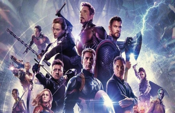 Robert posts 'flashback' image of entire 'Avengers' team