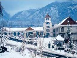 Manali, resorts near Shimla get more snow