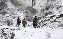 Unseasonal snowfall disrupts life in Kashmir Valley