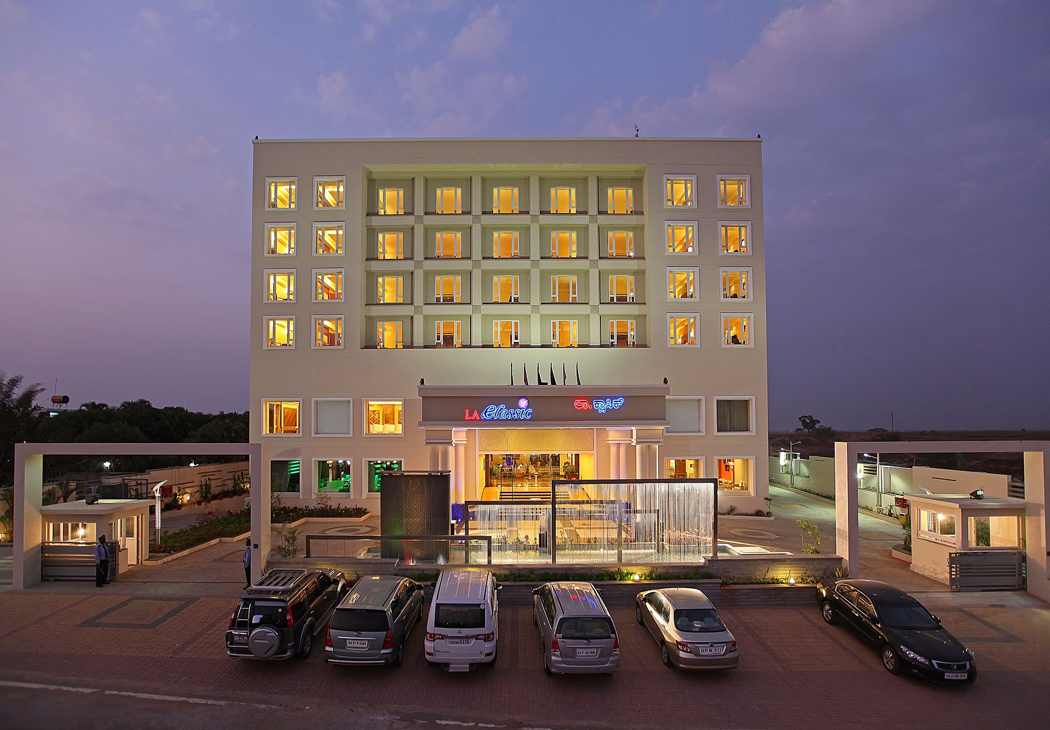 La Clic Is A Luxury 4 Star Hotel At Electronic City Bangalore It The Most Perfect And Apt Place For Your Mice Needs Offers Wonderful