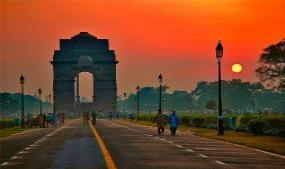 Ye Dilli hai meri Jaan - Delhi Life in Weekend | SiliconIndia